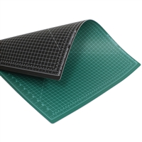 CUTTING MAT 24X36 inches GREEN-BLACK AA17944
